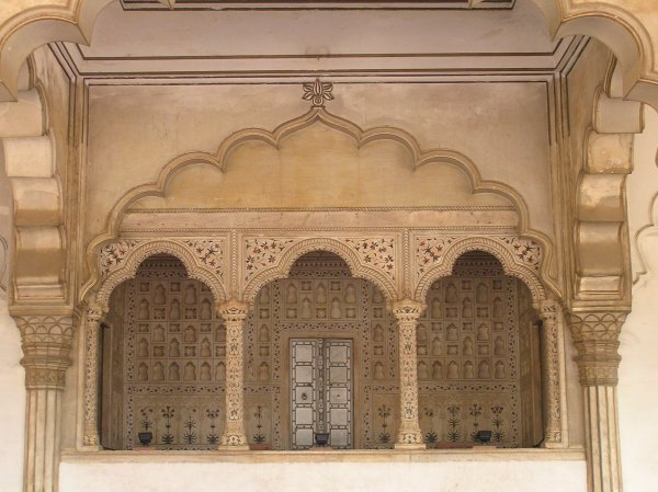 Seat of the king overlooking Diwan-e-aam