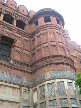Towers of entrance gate with Persian inlay