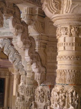 Jaisalmer fort: jain temple ornate bracket