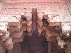Agra Fort: Multiple Brackets