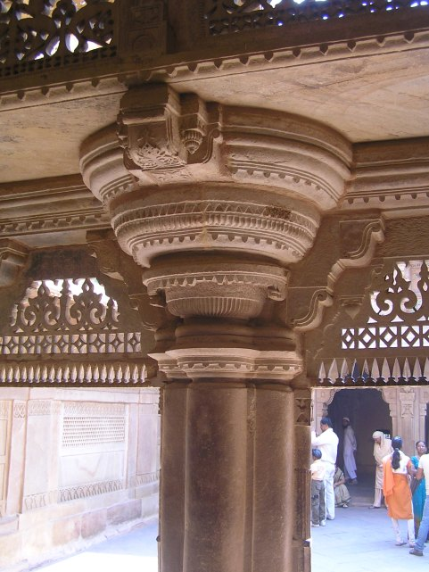 Gwalior Fort : Circular corbelling