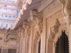 Gwalior Fort: Lion Bracket