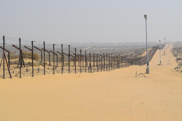 Beyond the fence lies Pakistan