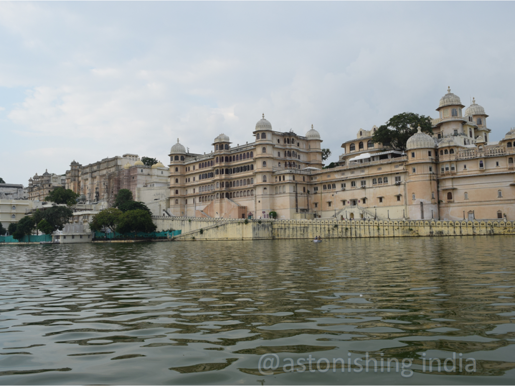 City Palace on banks of Lake Pichola