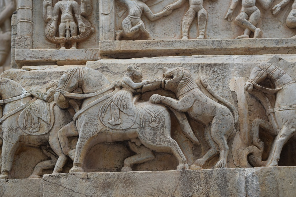 Scenes of hunting on temple walls