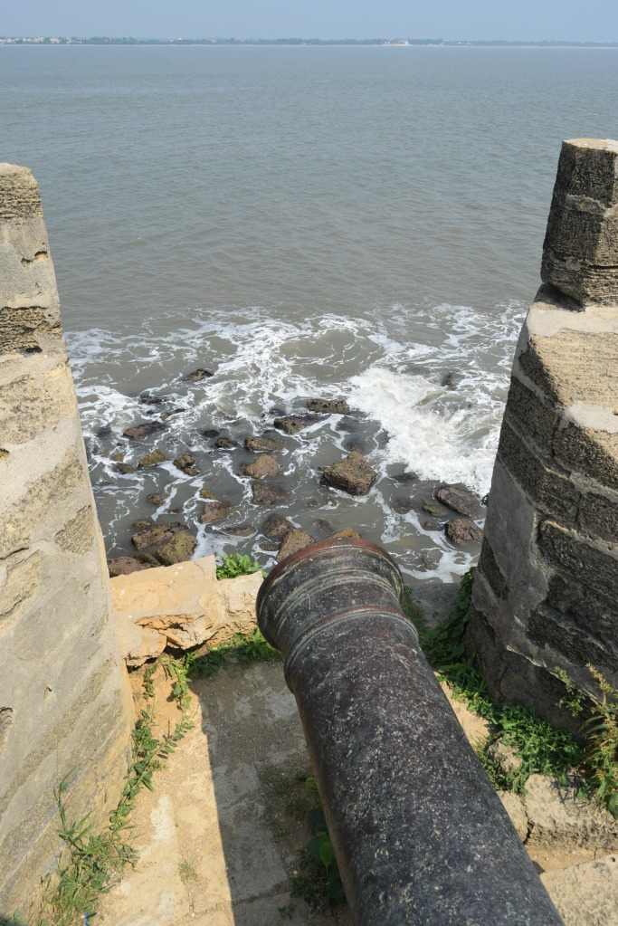 Canon to protect fort from sea-side