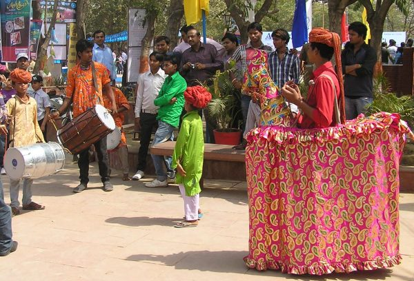 Street shows by Rajasthani artists
