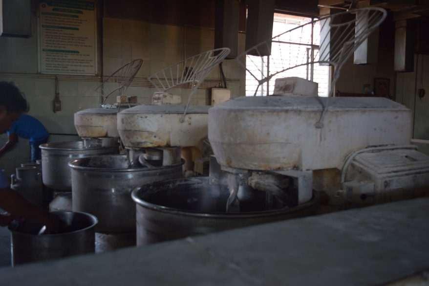Dough making contraption