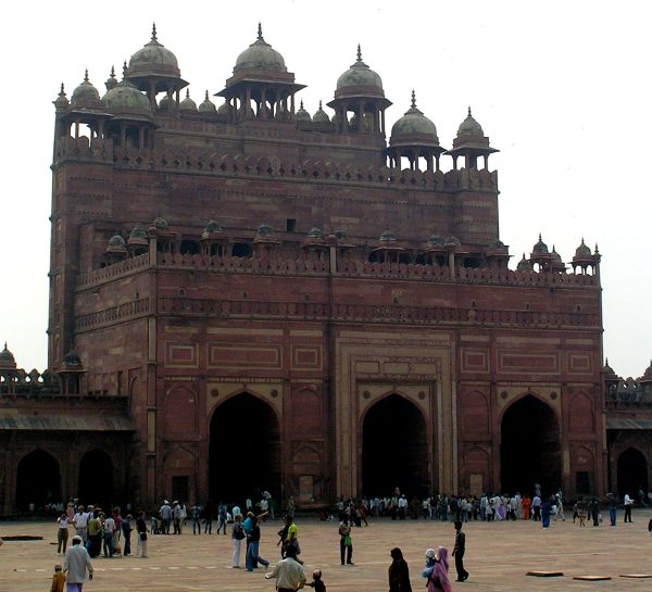 The rear side of Buland darwaza from Masjid's courtyard