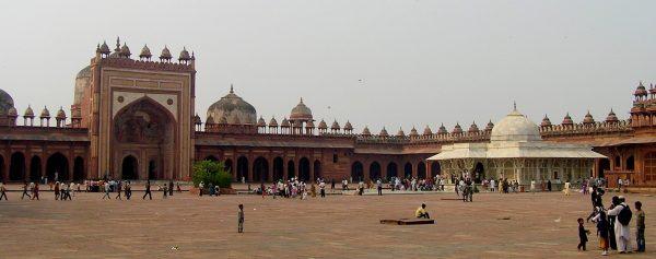 Jama Masjid and courtyard