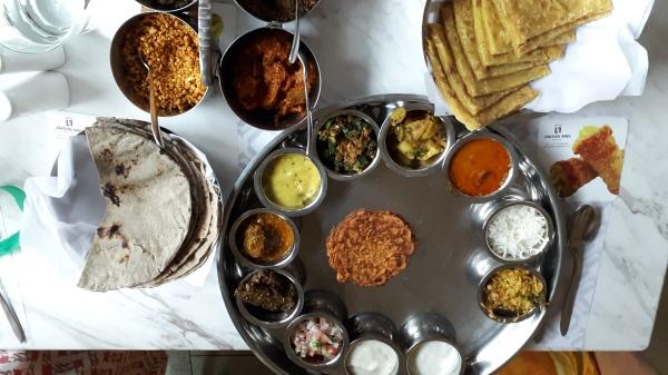 Maratha thali
