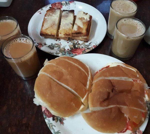 Bun maska, Broon Maska, chai and coffee