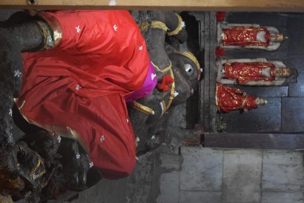 Prostrateidol at Maruti temple