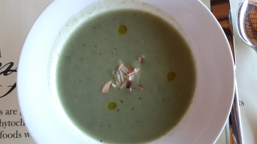 Roasted almond and broccoli soup