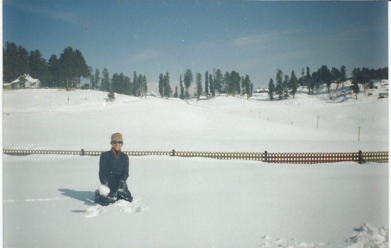 Plodding through the knee deep snow at Gulmarg