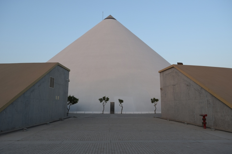 Depiction of salt mound rising from sand pit