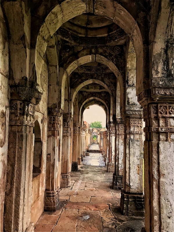 arched gallery champaner
