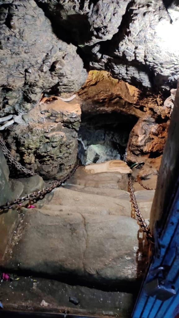 Entrance to Patalbhuvaneshwar